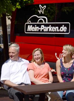 Dam. Parkservice, das sind wir: Familie Damm.