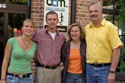 Familienfoto von der Gründung des Familienbetriebs: Mein Parken, im Jahr 2005.