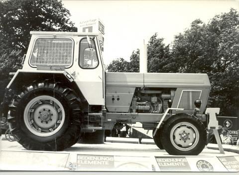 Traktor des Familienbetriebs Damm aus den 50er Jahren in Berlin